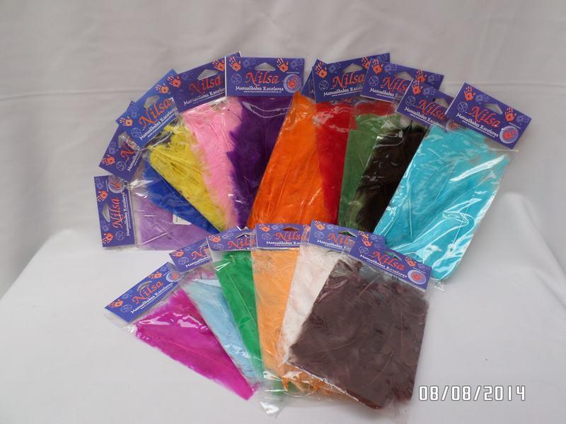 Plumas de diferentes colores manualidades escolares nilsa for Manualidades con plumas